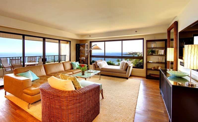 Kaanapali Alii's guest rooms offer island­-inspired furnishings, private lanais, kitchens, living rooms, dining rooms, and two bathrooms!